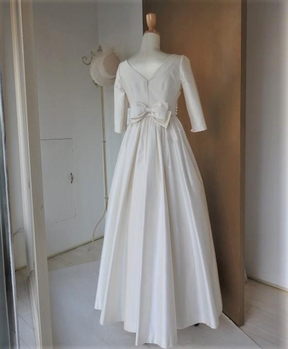 カシュクールベルトの長袖ドレス