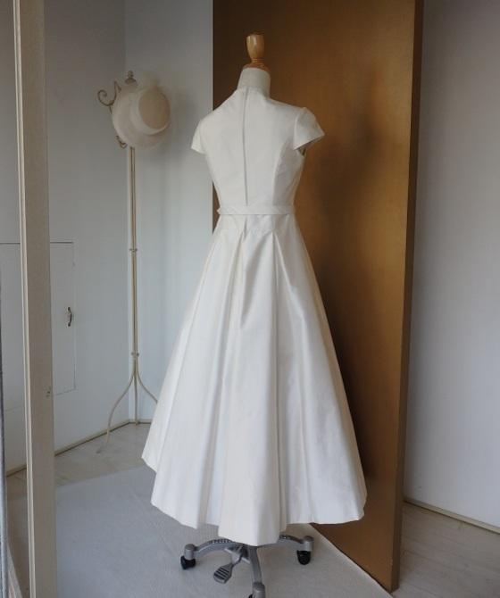 ミモレ丈ボックスプリーツスカートドレス